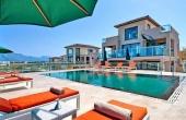 9, 2 villas over the sea: an alternative to a mini hotel