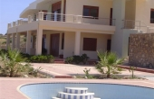 15, Large villa with a plot of 43 hundred parts directly above the sea