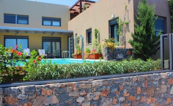 Modern villa in a complex by the sea in Elounda