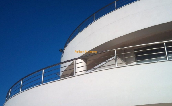 Designer villa right above the sea, the views are stunning
