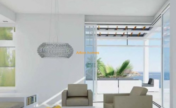 New villa: luxury complex on the first line of the sea