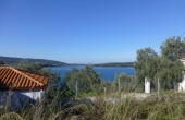 378, Villa directly on the water, its own pier and a green plot