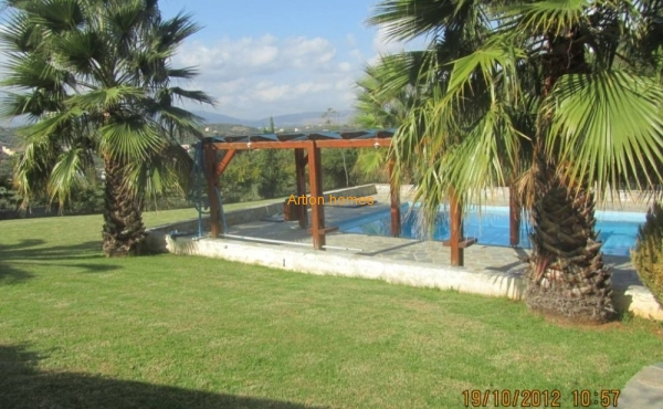 Well-kept large villa, walking village and sand. beach