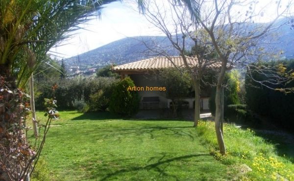 Large villa with a beautiful landscaped garden