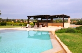 440, Villa with a large pool near the sandy beach