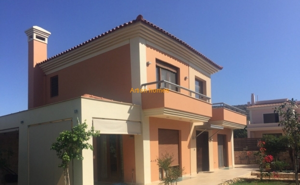 House of 260 sq.m, 800m from Voula beach, in Vari