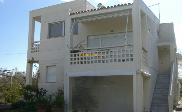 House of 217 sq.m in Avlida, only 250m from the beach