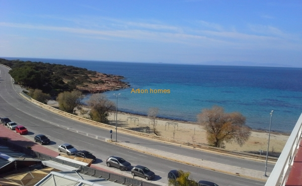 Penthouse Apartment in Saronida, 20m from sea