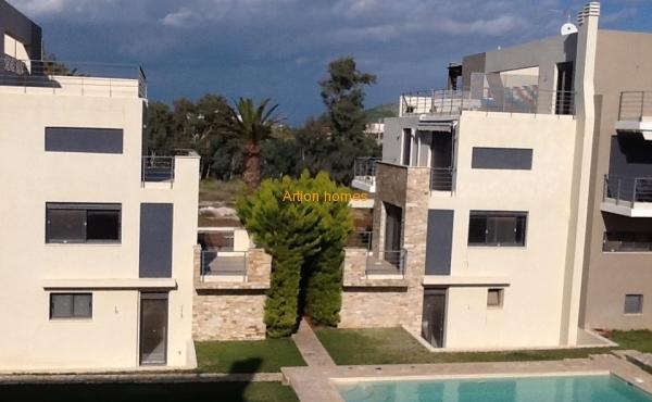 Apartment in Porto Rafti, 100m from sea.